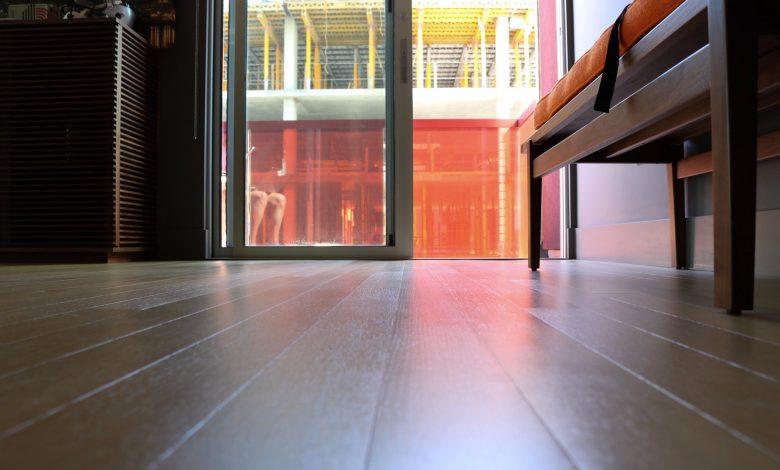 Photo of Welke kleur vloer bij licht eiken meubels?